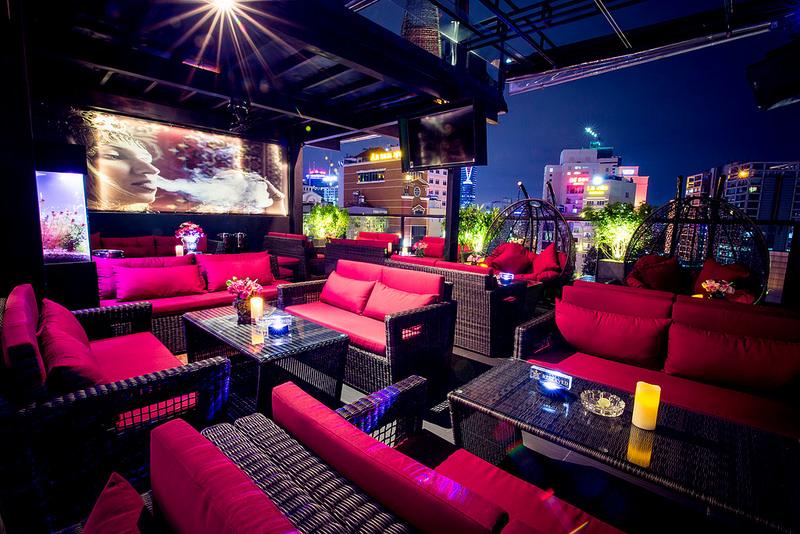 Outdoor wicker sofa set KING KARAOKE CAFE