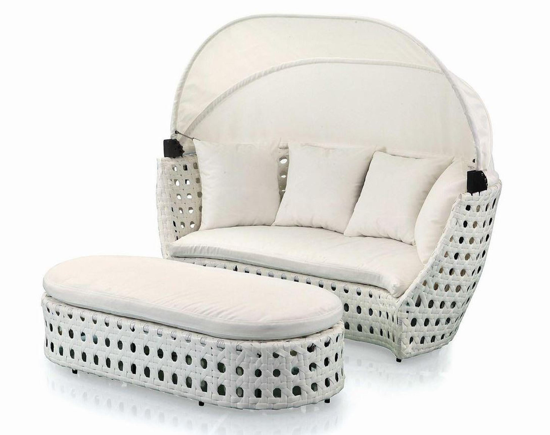 Outdoor Wicker sun lounge