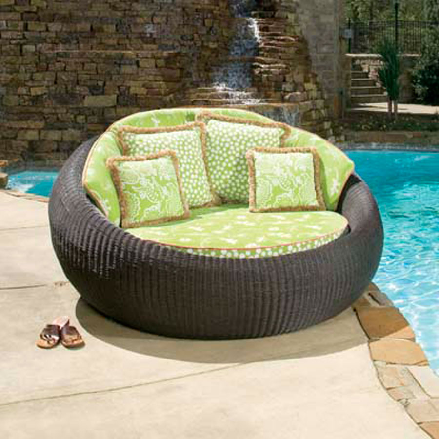 Wicker and rattan outdoor furniture rattan garden for Bamboo outdoor furniture