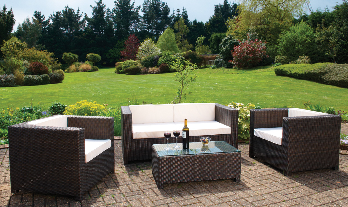 What is Rattan and why you should choose it for your garden?