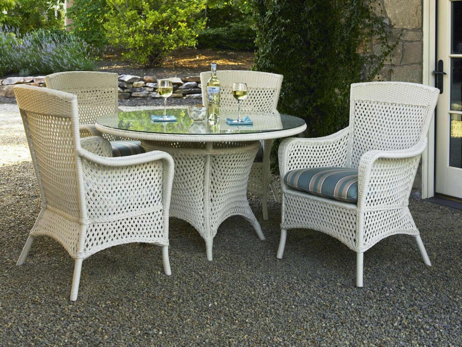 White wicker patio dining set chairs seating for White outdoor furniture