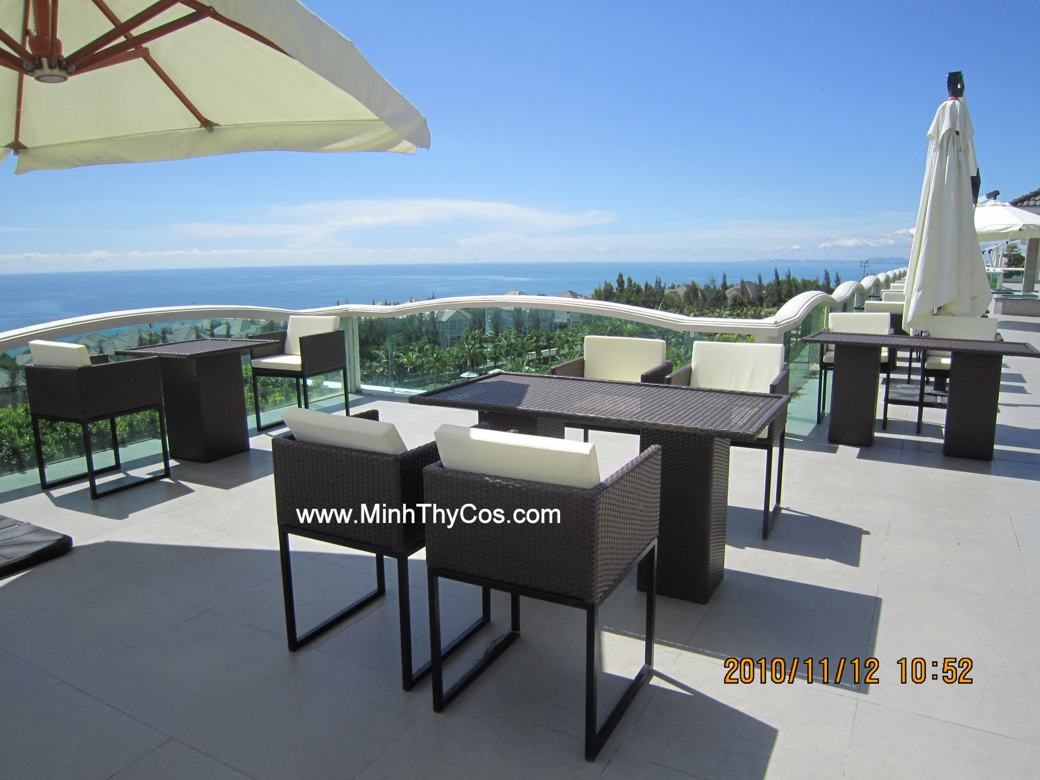 Outdoor wicker dining set sEALINK Phan Thiet