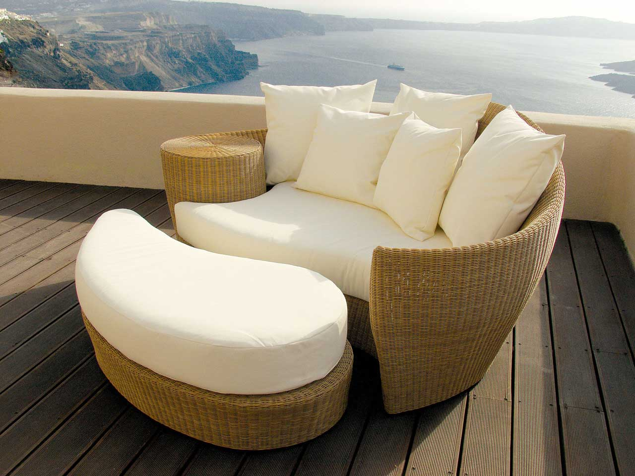 Enjoy The Summer With Patio Lounger