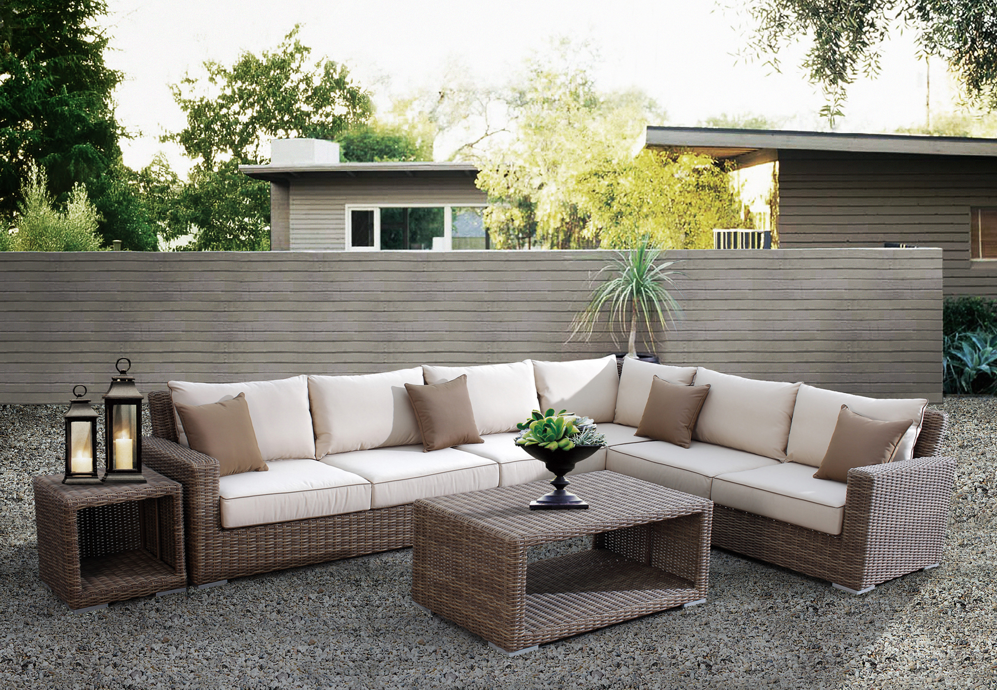 Redesigning your home with outdoor wicker patio furniture for Outdoor wicker furniture