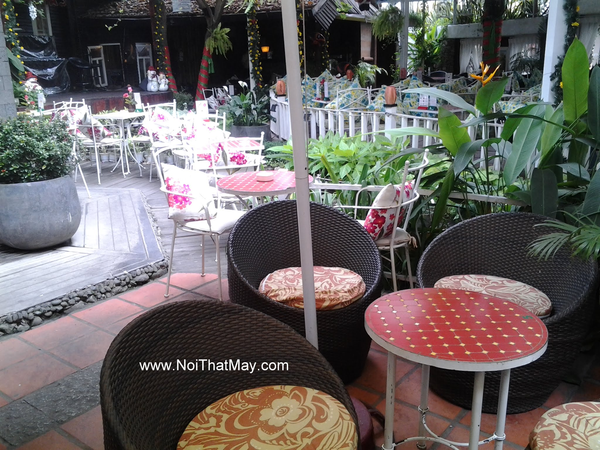 san xuat ghe gia may cafe co noi