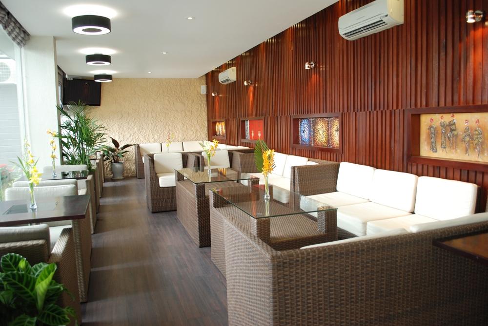 sofa gia may tai cafe SunOcean Da Nang