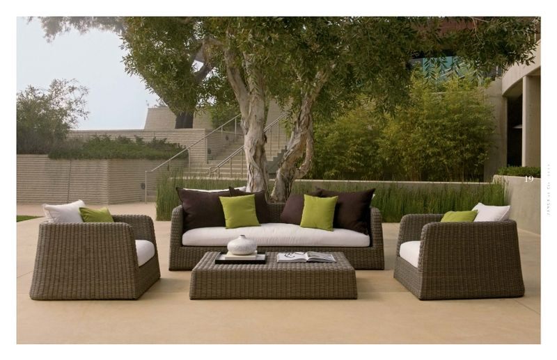 wicker furniture for your sunroom