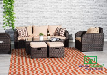 Pros and Cons of Wicker Furniture Sofa Set